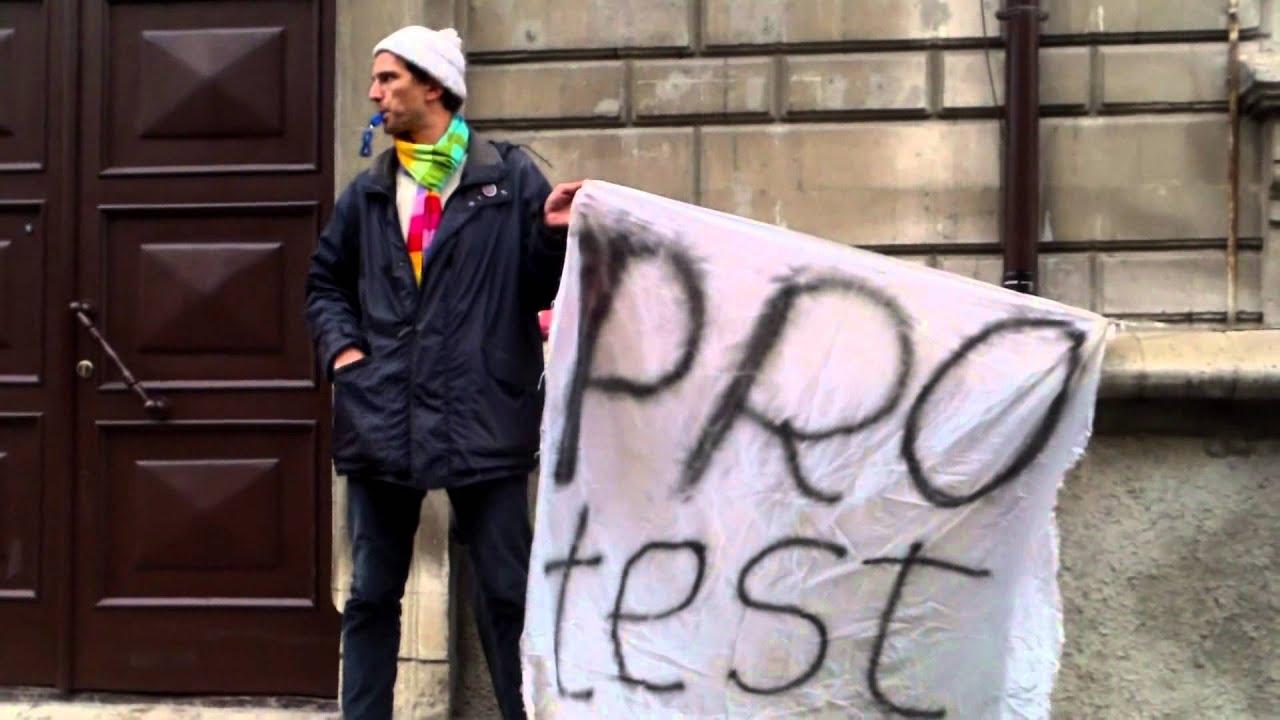 Am protestat la #CEC pentru că nu mă lăsau să intru