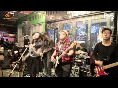 Hyndia - Malu ( Indonesian Pop Purwokerto ) Showtime 2015