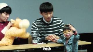 [fancam]141009 틴탑 부산팬싸인회 리키 창조 TEEN TOP RICKY CHANGJO Thumbnail