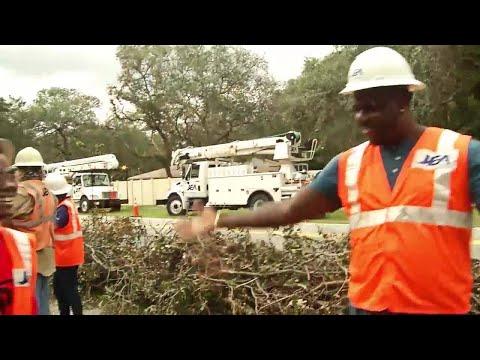 Jaguars Malik Jackson helping first responders