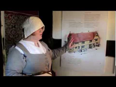 Actor guide explaining things at Shakespeare's Birthplace
