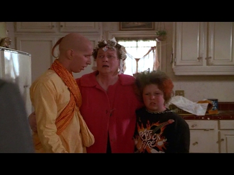 Amazing Stories - S01E10 - Remote Control Man (1985): 5:07 - 6:32