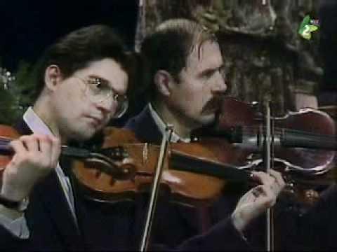 Muzica populara romaneasca cu orchestra RTV Novi Sad dirijata de Lucian Petrovici Bocalut.wmv