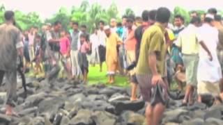 Rohingya refugees leave Burma to seek help in Bangladesh Guardian.co.uk
