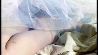 Gambar cover Avril Lavigne - Sexy Maxim 2008 Close Ups Part IV
