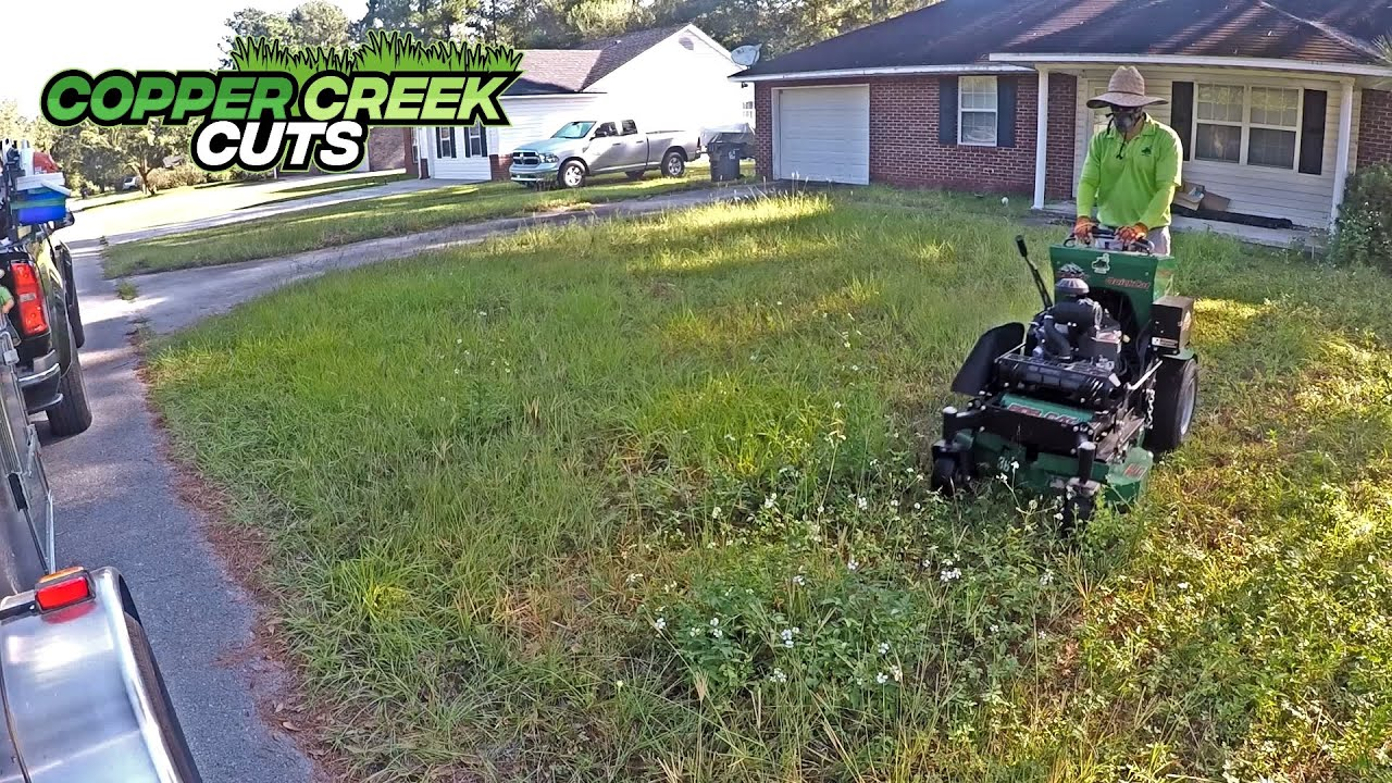 Abandoned Yard Gets Much Needed Mowing (Real-Time Oddly Satisfying Version)