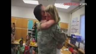 Soldados regresan a casa de sorpresa