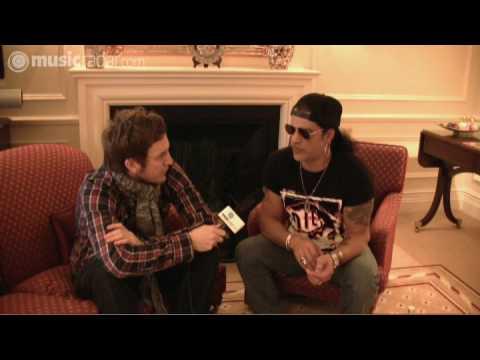 Slash picks his favourite riffs