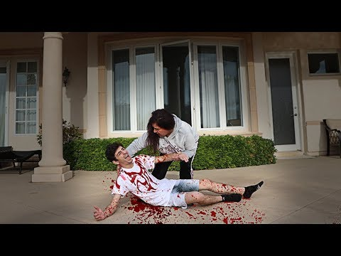 FALLING OFF THE ROOF PRANK ON MOM!! (SHE FREAKED OUT) | FaZe Rug