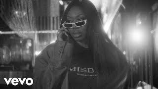 Смотреть клип Ms Banks - Clap