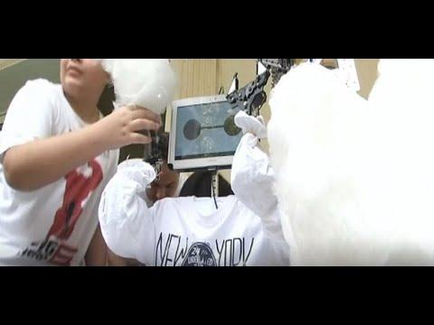 منوعات الآن | مخترعون مصريون صغار يبتكرون روبوتاً يصنع غزل البنات  - 14:22-2017 / 7 / 20