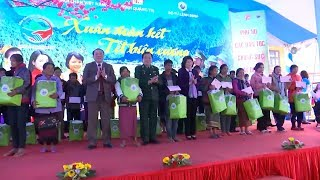 Phó Chủ tịch nước Đặng Thị Ngọc Thịnh thăm, tặng quà nhân dân vùng biên giới tỉnh Quảng Trị