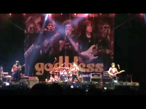 Godbless Live in SOLO 29/10/2017 Medley - Kepada Perang - Garuda Pancasila - Bla...bla...bla