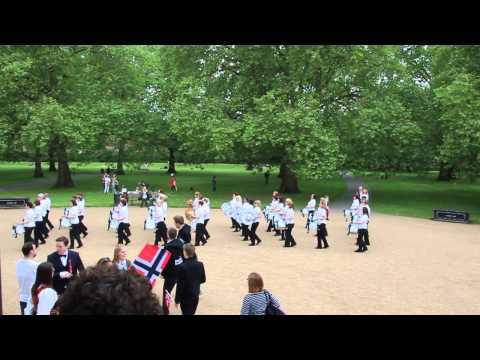 Bodø Paradekorps Southwark Park London 17.mai 2014