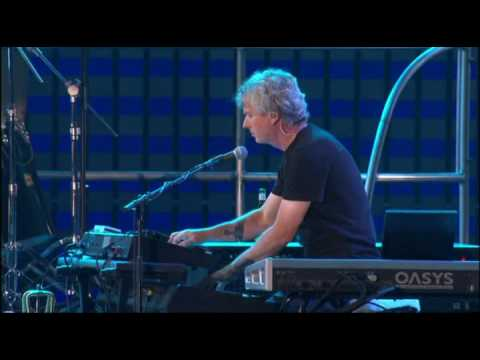 Genesis - No Son Of Mine (HQ Live 2007)