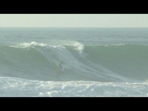 La miraculée du surf brésilien de retour sur les vagues géantes
