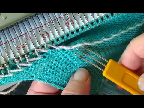Knitting elastic casings onto the end of a knitted piece