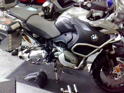 bmw r1200 gs adventure install pirelli scorpion trail. Black Bedroom Furniture Sets. Home Design Ideas