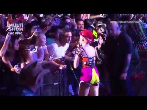 Show Jessie J quase Beija Fã Rock in Rio