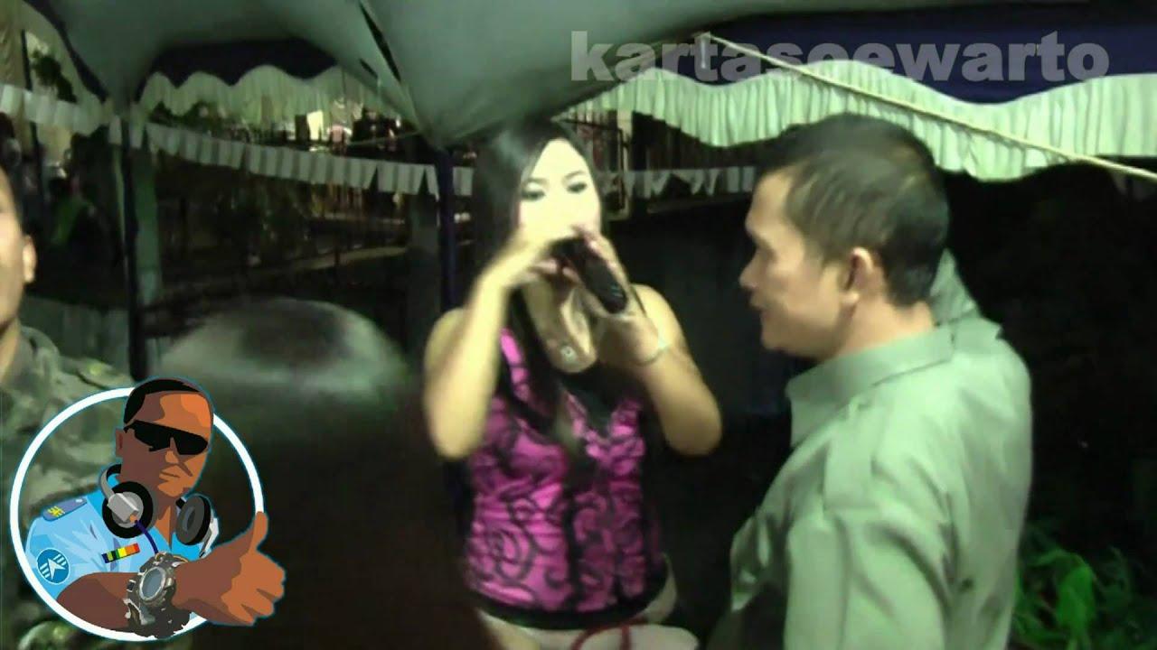 Peristiwa Masa Lalu - Night Dangdut Party - YouTube