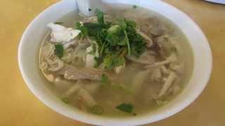 Chicken Ho Fun Noodle Soup @ Hai Ky Mi Gia Little Saigon Tenderloin San Francisco California