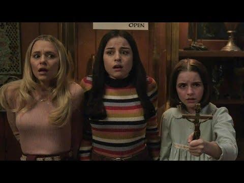 #997【谷阿莫】5分鐘看完2019少女從後門進來讓娃娃出櫃的電影《安娜貝爾回家囉 Annabelle Comes Home》 - YouTube