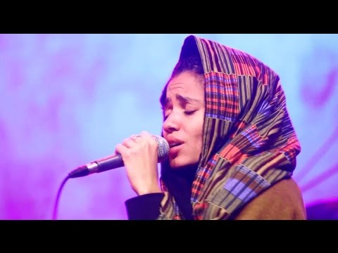 "Nneka LIVE ""Walking"" - My Fairy Tales - Tour 2015 @Jam'in'Berlin"
