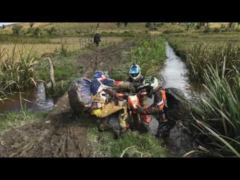 Moto Tour Madagascar dirt bike aventure