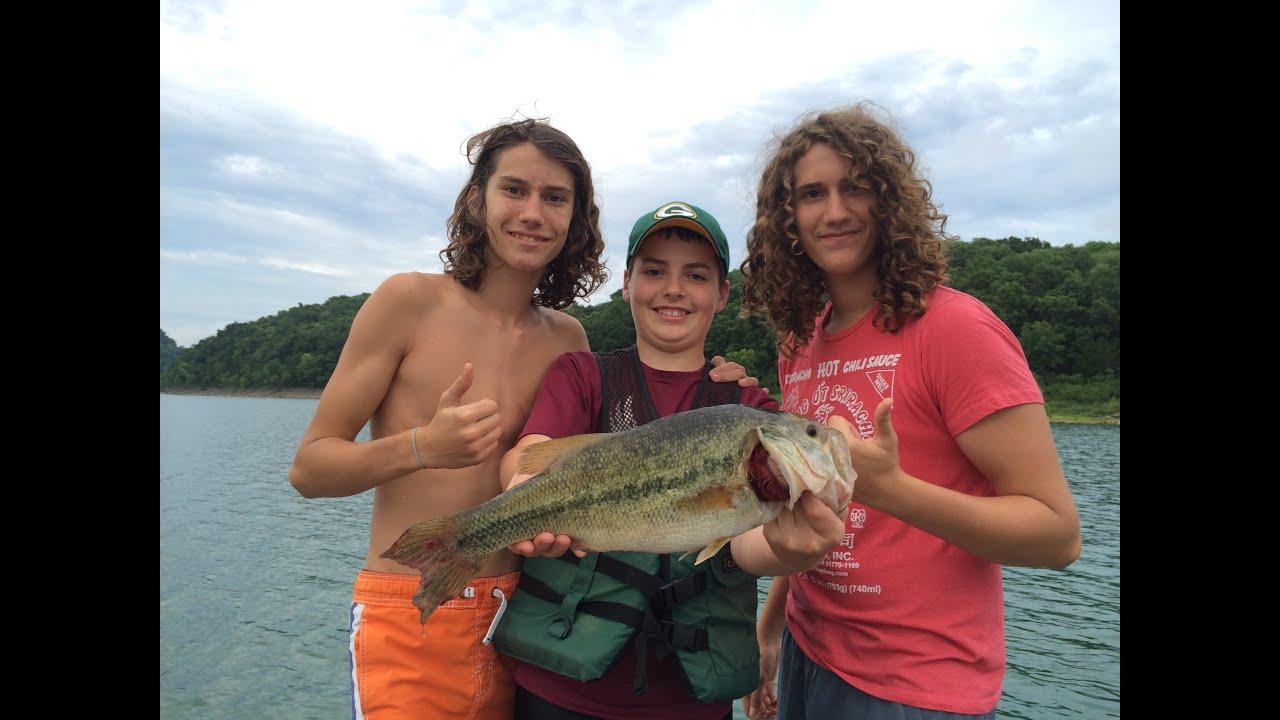 Center hill lake fishing walleye catfish largemouth for Center hill lake fishing report