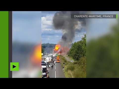 Violente explosion d'un camion transportant des bonbonnes de gaz sur une nationale en France