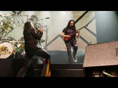 """Dream Theater Live """"The Spirit Carries On"""" Chicago 3-29-19 Chicago Theater 1st Row S9+ 1080 60FPS"""