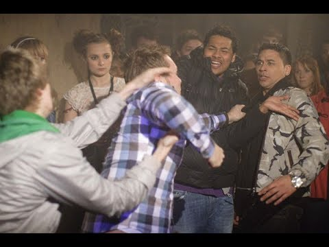 EastEnders - Peter Beale, Fatboy Chubb & Billie Jackson Vs. Vince (31st May 2010)