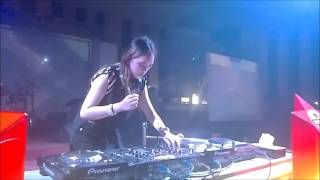 FDJ Chasandra Best Female DJ Indonesia at Kings Crown Club Bangka   Turn it Up dan New Thang