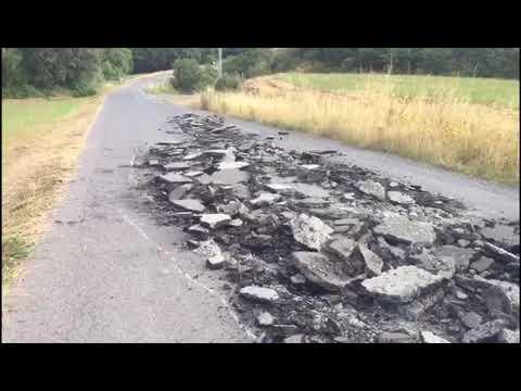 Destrozan intencionadamente el asfalto entre Vilaxuste y Portomarín
