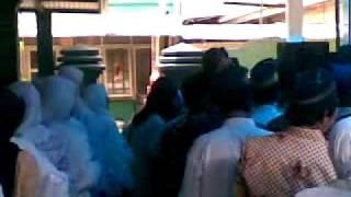 Dai atau Ustad Kembar Ceramah (Tabligh Akbar) dalam acara walimatus safar