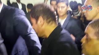 أخبار اليوم | عمرو دياب يقدم العزاء في والد خالد سليم