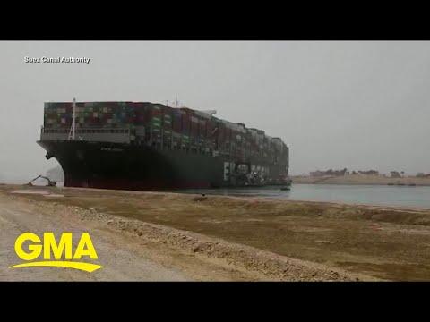 Urgent effort to dislodge cargo ship stuck in Suez Canal l GMA