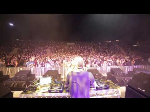 PERTH - Electric Gardens 2016 Sideshow