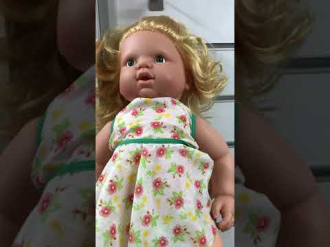 Masal anlatan bebek oyuncağı