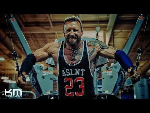 Live Workout Chest And Abs | With Kris Gethin