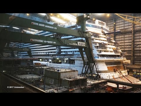 NORWEGIAN BLISS | short view into the construction dock during blizzard | 4K-Video