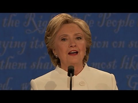 Clinton: Trump choked on border wall with Mexico