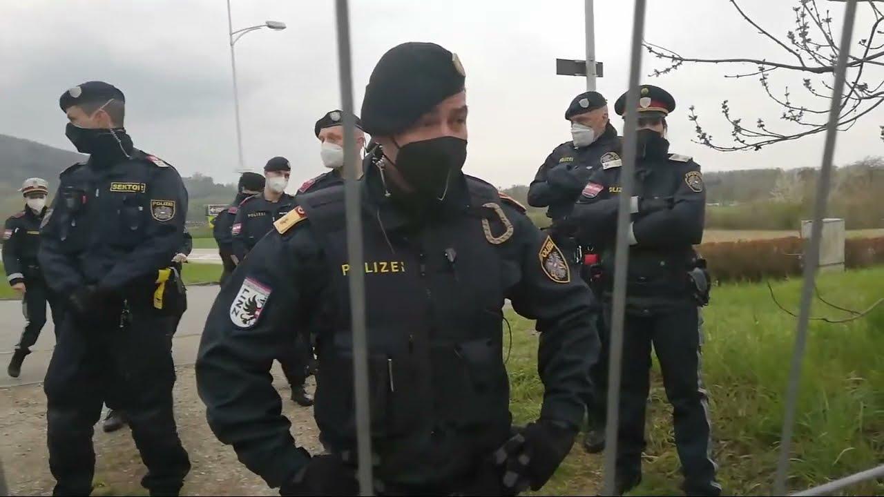 LINZ/Oberösterreich: Schon wieder Polizei im Linzer Vereins Garten