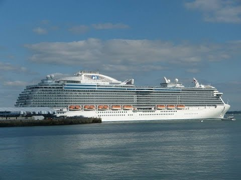 """Queen Elizabeth"", ""Royal Princess"", ""Silver Cloud"" & ""Oriana"" depart Southampton - 09/06/2013"