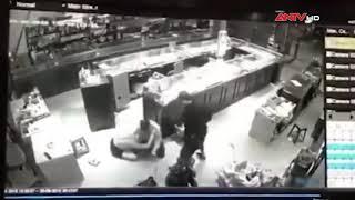 Cướp tiệm vàng ở Sơn La: Clip cảnh vật lộn với 3 tên cướp | Tin tức | Tin tức mới nhất | ANTV
