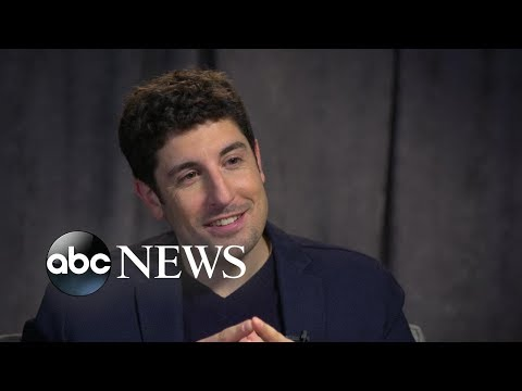 Jason Biggs dishes on 'Angry Angel' and his favorite holiday traditions