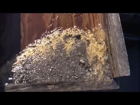 Bering Sea Gold Dredging: GOLD IN THE SLUICE BOX!