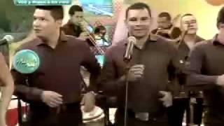 el grupo gale de colombia en el set de magaly le canta es el amor de mi vida 06 07 2011