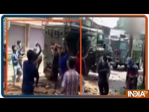 Watch: Stone-pelters attack Army vehicles in Kulgam