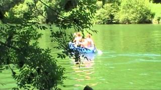 Daan en Iris gaan kanoën op de Tarn